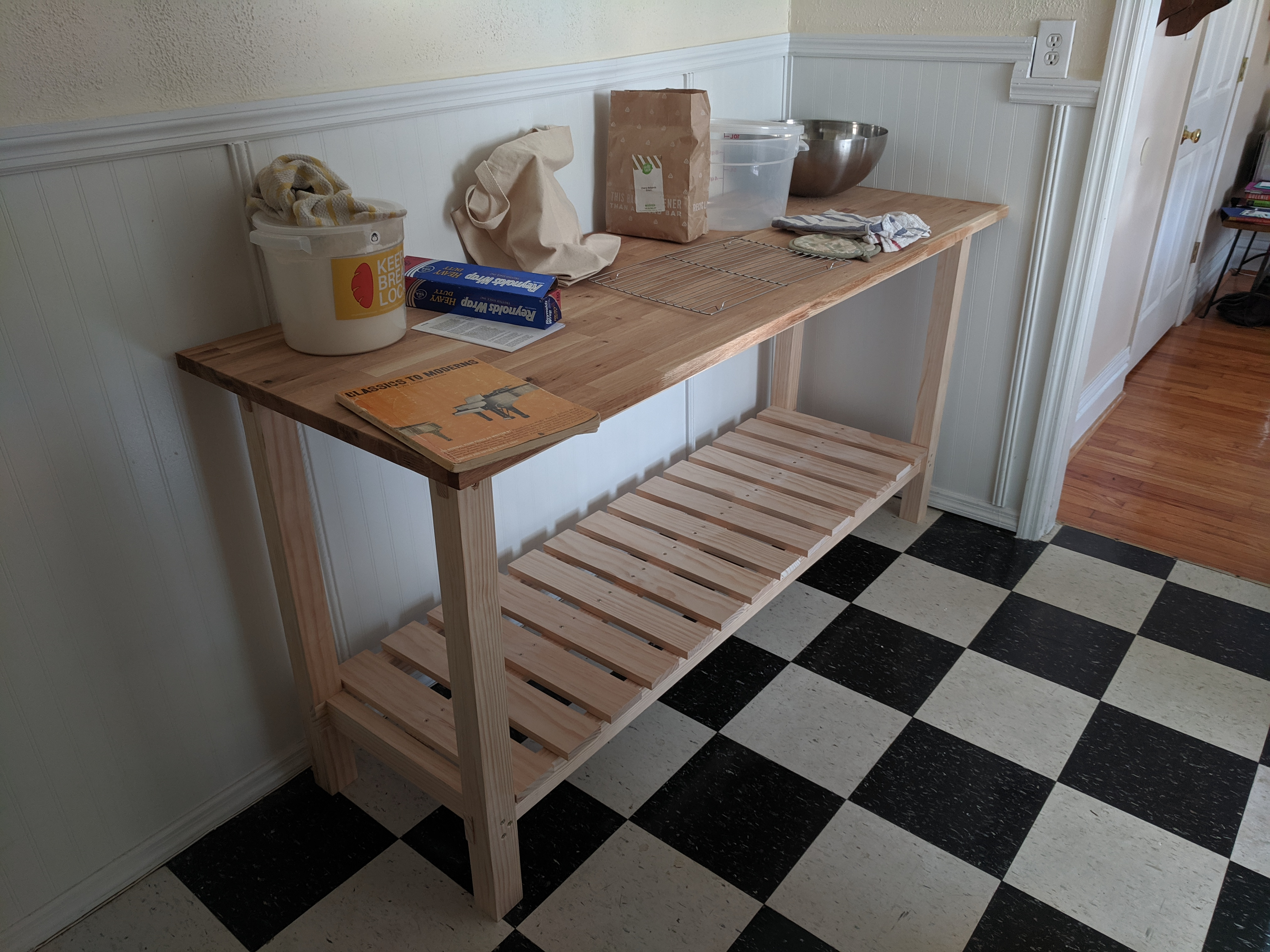 Kneading Table